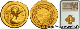 JULIUS CAESAR Type : Aureus  Date : octobre  Date : 44 AC.  Mint name / Town : Rome  Metal : gold  Millesimal fineness : 1000  ‰ Diameter : 22  mm Ori...
