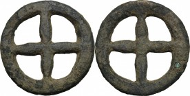 Celtic World. Uncertain Tribe. AE Wheel money, c. 1st century BC. D/ Four-spoked wheel. Victoor IX-2b; Forrer 139; Castelin 982. AE. g. 10.83 mm. 30.0...