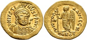 Justin I, 518-527. Solidus (Gold, 22 mm, 4.54 g, 7 h), Constantinopolis, 518-519. D N IVSTINVS P P AVG Pearl-diademed, helmeted and cuirassed bust of ...