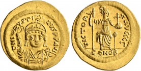 Justin II, 565-578. Solidus (Gold, 21 mm, 4.51 g, 6 h), Constantinopolis, 566/7-578. D N IVSTINVS P P AVI Helmeted and cuirassed bust of Justin II fac...