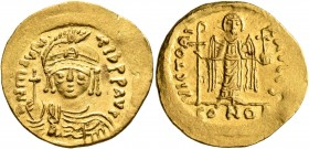 Maurice Tiberius, 582-602. Solidus (Gold, 22 mm, 4.52 g, 7 h), Constantinopolis, 583-601. D N mAVRC TIb P P AVI Draped and cuirassed bust of Maurice T...