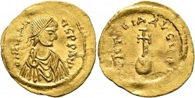 Heraclius, 610-641. Semissis (Gold, 18 mm, 2.20 g, 7 h), Constantinopolis, circa 610-613. d N hЄRACLIЧS P P AVI Diademed, draped and cuirassed bust of...