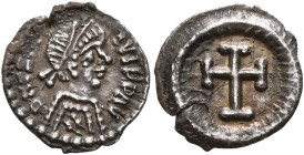 Heraclius, 610-641. 1/4 Siliqua (Silver, 11 mm, 0.39 g, 5 h), Ravenna. D N HЄRACLIVS P P AV Diademed, draped and cuirassed bust of Heraclius to right....
