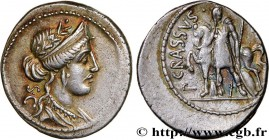LICINIA Type : Denier  Date : 55 AC.  Mint name / Town : Rome  Metal : silver  Millesimal fineness : 950  ‰ Diameter : 19,5  mm Orientation dies : 1  ...