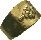 Ancient Greek Gold Ring with Grape bunch inlaid, 3rd - 1st Century BC.