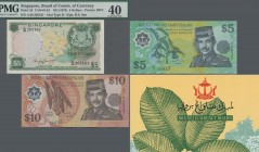 Brunei: Original folder with number C/1 00937 with the first polymer issue of 1, 5 and 10 Ringgit 1996 P.22a, 23a, 24a in UNC and a 5 Dollars Singapor...