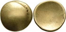 CELTIC, Central Europe. Vindelici. 1st century BC. Stater (Gold, 18 mm, 7.13 g), 'glatte Schüssel' type. Convex surface with faint traces of a bulge. ...