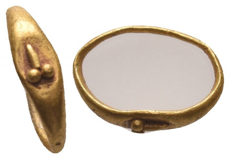Very RARE Ancient Roman Gold Ring with a phallus on bezel, C. 1st / 3rd AD.  Con...