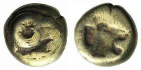 Lesbos, Mytilene, c. 521-478 BC. EL Hekte (10mm, 2,38g, 9h). Head of a ram r.; below, rooster feeding l. R/ Lion's head with open jaws r.; all incuse....
