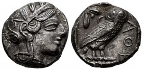 Attica. Athens. Tetradrachm. 440-404 a.C. (Gc-2526). (Sng Cop-31). Anv.: Head of Athena right, wearing crested Attic helmet ornamented with three oliv...