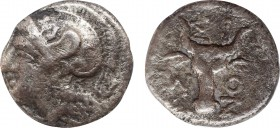 TROAS. Assos. Drachm (4th-3rd centuries BC). Obv: Helmeted head of Athena left. Rev: AΣΣION. Facing boukranion; grape bunch to left. BMC 5; Numismatik...