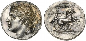 Sicily, Syracuse, 8 Litrai under tyrant Gelon II, ca. 218-214 BC; AR (g 6,83; mm 21; h 4); Diademed head of Gelon l.; on r., bow, Rv. ΣΥΡΑΚΟΣΙΟΙ - ΓΕΛ...
