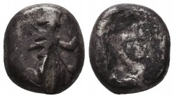 Persia. Achaemenid Empire. Time of Xerxes II to Artaxerxes II circa 420-375 BC. Siglos AR Condition: Very Fine  Weight: 4,20 gram Diameter: 10 mm