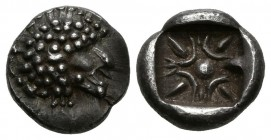 IONIA, Miletos. Diobolus. (Ar. 1.20g \/ 10mm). 600-500 BC Anv: Lion's head to the left. Rev: Starry design incuse. (SNG Kayhan 476-81). VF.