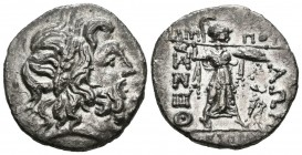 THESALICA LEAGUE. Double Victoriato. (Ar. 5.93g \/ 21mm). 196-146 BC Anv: Laureate bust to the right of Zeus. Rev: Athena standing right carrying spea...