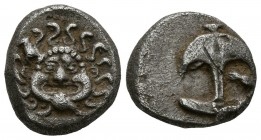 THRACIA, Apollonia Pontica. Drachm. (Ar. 3.26g \/ 14mm). 480-450 BC Anv: Head of Medusa from the front. Rev: Anchor up, crayfish right. (SNG BM Black ...
