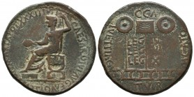 CAESARAUGUSTA (Zaragoza). Dupondio. (Ae. 17.24g \/ 32mm). 14-36 AD Anv: Tiberius seated left, around legend: TI. CAESAR. DIVI. AVG. F. AVGVSTVS. PONT....