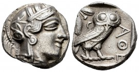 Attica. Athens. Tetradrachm. 440-404 BC. (Gc-2526). (Sng Cop-31). Anv.: Helmeted head of Athena right. Rev.: Owl standing to the right, crescent and l...