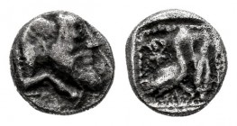 Cilicia. Mallos. Obol. 425-385 BC. (Sng Levante-139). Anv.: Forepart of man-headed bull right. Rev.: Swan standing right; ankh symbol above, barley gr...
