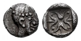 Ionia. Uncertain. Hemiobol. 520-480 BC. Anv.: Head of a nymph to right, wearing sakkos. Rev.: Stellate or floral pattern within incuse square. 0,30 g....