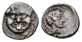 Pisidia. Selge. Obol. 350-300 BC. (Sng von Aulock-5268). Anv.: Facing Gorgoneion. Rev.:  Helmeted head of Athena to right. Ag. 1,08 g. VF/Choice VF. E...