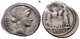 Q. Servilius Caepio (M. Junius) Brutus MÖ 54.  Roma.  Denarius AR