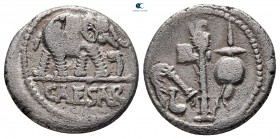 Julius Caesar MÖ 49-48.  Sezar'la seyahat eden askeri darphane.  Denarius AR