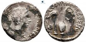 Triumvirler.  Octavian MÖ 30-29.  Güney veya orta İtalya'da darphane.  Fourreè Denarius