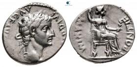 """Tiberius AD 14-37.  """"Tribute Penny"""" türü.  Lugdunum (Lyon).  Denarius AR"""