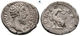 Divus Marcus Aurelius AD 180. Commodus ca.  MS 180.  Roma.  Denarius AR