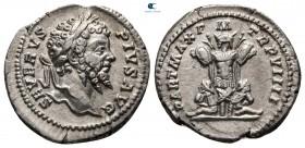 Septimius Severus AD 193-211.  MS 201'e çarptı. Roma.  Denarius AR