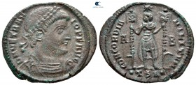 Vetranio AD 350. Selanik.  Follis Æ
