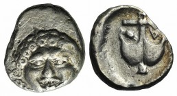 Thrace, Apollonia Pontika, late 5th-4th centuries BC. AR Drachm (14mm, 2.83g). Facing gorgoneion. R/ Anchor; A to l., crayfish to r. SNG BM Black Sea ...