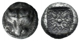 Ionia, Miletos, late 6th-early 5th century BC. AR Obol (7mm, 0.78g). Panther or lion head facing. R/ Stellate floral pattern within incuse square. Kle...