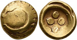 CELTIC, Central Europe. Vindelici. 1st century BC. Stater (Gold, 16 mm, 7.32 g), 'Regenbogenschüsselchen'. Convex surface with 'Rolltier' to left. Rev...