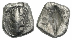 Southern Lucania, Metapontion, c. 470-440 BC. AR Diobol (7mm, 0.93g, 12h). Barley-ear with four grains. R/ Incuse barley grain. HNItaly 1488. Near VF