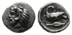 Cilicia, Mallos. Circa 385-333 BC. AR Obol (9mm, 0.86g). Head of Herakles left, wearing lion skin / Swan seated on grain-ear left, head reverted. Gökt...