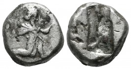 Achaemenid Empire. Time of Darios I to Xerxes II 485-420 BC. AR Siglos (15mm, 4.84g). Persian king or hero in kneeling-running stance right, holding s...