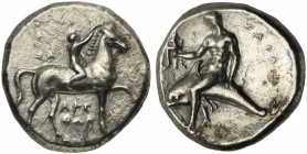 Apulia, Tarentum, Nomos, ca. 302-280 BC; AR (g 7,41; mm 21; h 3); Horseman galloping r., crowing horse; on l., ΣA; below, APE / ΘΩN, Rv. TAPAΣ, dolphi...