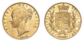 GREAT BRITAIN. Victoria, 1837-1901. Gold Sovereign 1838, London. Shield. 7.99 g. S-3852; Fr-387. VF.