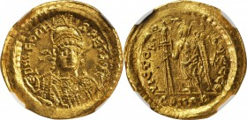 LEO I, A.D. 457-474. AV Solidus (4.48 gms), Constantinople Mint, ca. A.D. 462-466. NGC MS, Strike: 3/5 Surface: 4/5. Die Shift.