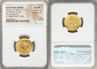 Phocas (AD 602-610). AV solidus (21mm, 4.47 gm, 7h). NGC Choice MS 4/5 - 5/5. Constantinople, 5th officina, AD 607-609. d N FOCAS-PЄRP AVG, crowned, d...