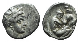 Southern Apulia, Tarentum, c. 325-280 BC. AR Diobol (11mm, 1.16g, 9h). Helmeted head of Athena r. R/ Herakles standing r., strangling Nemean lion; clu...