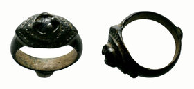 Ancient Byzantine Ring with stone laid on bezel,  Condition: Very Fine  Weight: 9.01 gr Diameter: 29.30 mm