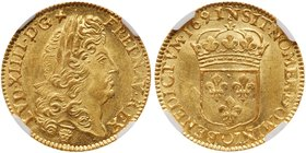 Louis XIV (1643-1715). Gold Louis d'or a l'ecu, 1691-N (Montpellier). Older lauereate bust of king with long hair right. Rev. Crowned arms of France (...