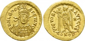 LEO I (457-474). GOLD Solidus. Constantinople.